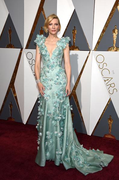 ブランド ジョルジオアルマーニ「88th Annual Academy Awards - Arrivals」:写真・画像(14)[壁紙.com]