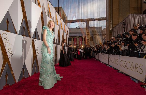 レッドカーペット「88th Annual Academy Awards - Red Carpet」:写真・画像(1)[壁紙.com]