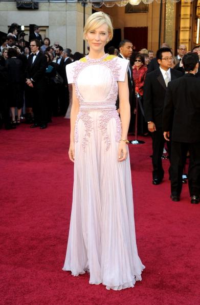 Award「83rd Annual Academy Awards - Arrivals」:写真・画像(12)[壁紙.com]