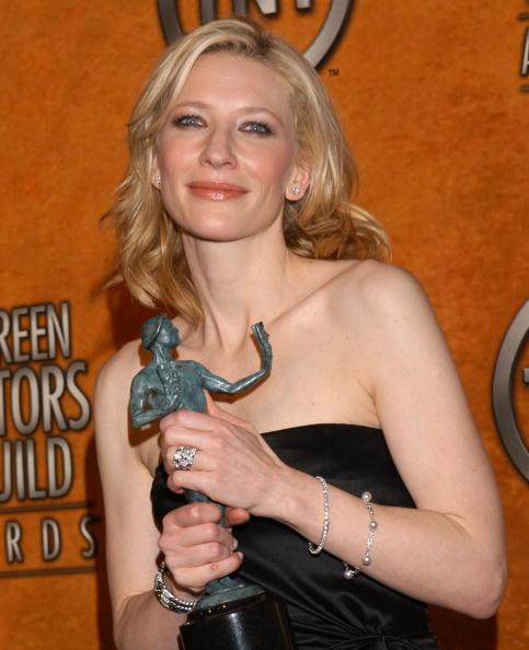 Pierced「11th Annual Screen Actors Guild Awards - Press Room」:写真・画像(16)[壁紙.com]