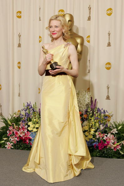 Best supporting actress prize「77th Annual Academy Awards - Pressroom」:写真・画像(15)[壁紙.com]