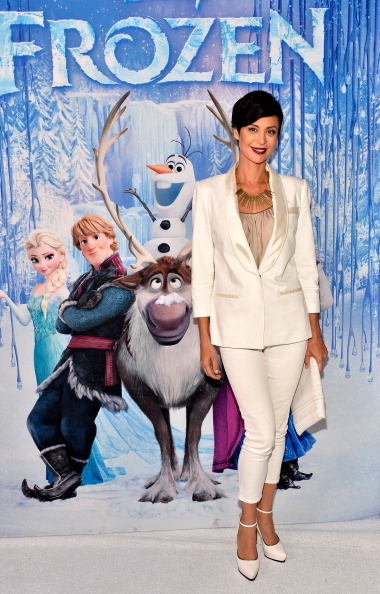 "El Capitan Theatre「Premiere Of Walt Disney Animation Studios' ""Frozen"" - Red Carpet」:写真・画像(4)[壁紙.com]"