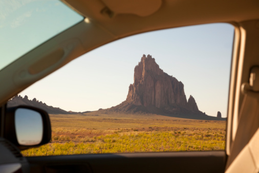 Car Interior「View through car window of rock mass.」:スマホ壁紙(14)