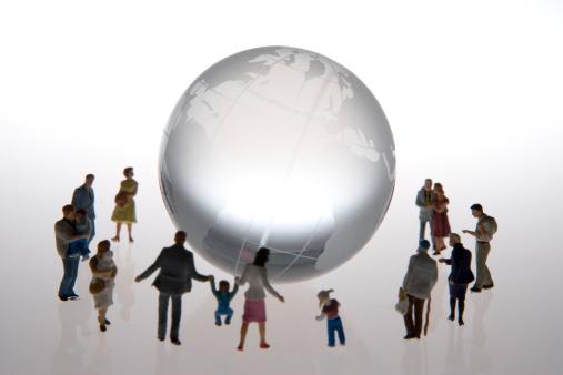 Figurine「Miniature model people around transparent globe」:スマホ壁紙(1)