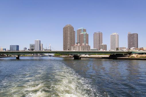 Japan「Chuo-Ohashi Bridge and Elevated Express Way Crossing the Sumida River, Tokyo, Japan」:スマホ壁紙(5)
