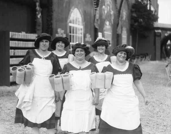 Oktoberfest「Beer Maids」:写真・画像(8)[壁紙.com]