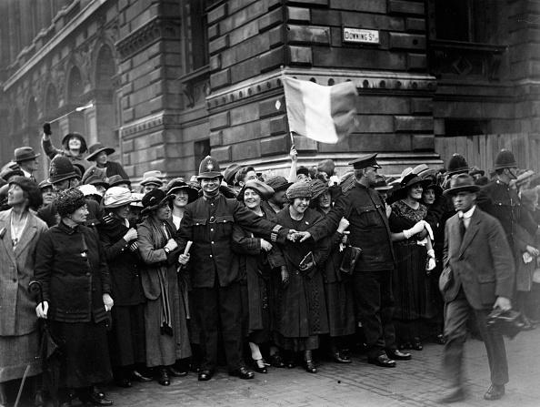Irish Culture「Restraining Crowd」:写真・画像(3)[壁紙.com]