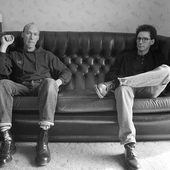 座る「Bruce And Rick」:写真・画像(3)[壁紙.com]