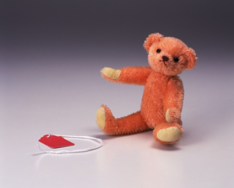 Spaghetti Straps「Image of a Teddy Bear, Sitting Next to a Red Card, Front View」:スマホ壁紙(7)