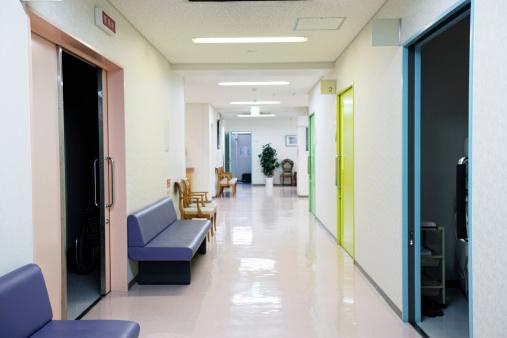 Japan「クリニックの廊下」:スマホ壁紙(17)