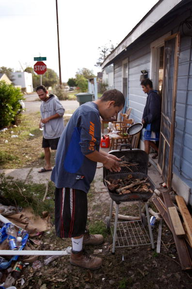Hurricane Ike「Coastal Texas Faces Heavy Damage After Hurricane Ike」:写真・画像(12)[壁紙.com]