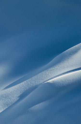 スノーボード「Shadow and sunlight on snow, Whistler, British Columbia, Canada」:スマホ壁紙(17)