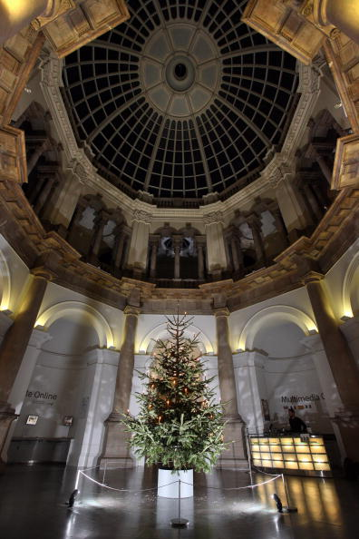 Architectural Feature「Tate Britain Unveil Their Christmas Tree Designed By Tacita Dean」:写真・画像(11)[壁紙.com]