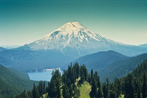 Active Volcano「Spirit Lake and Mount Saint Helens Before the Eruption」:スマホ壁紙(11)