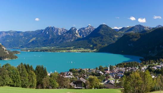 St「Austria,Salzkammergut, St. Gilgen, View of town」:スマホ壁紙(13)