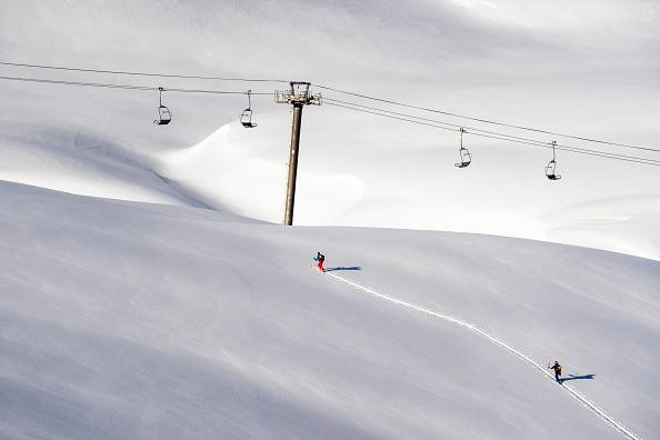 Ski Resort「Closed French Ski Resorts Left In The Cold Amid Pandemic」:写真・画像(7)[壁紙.com]