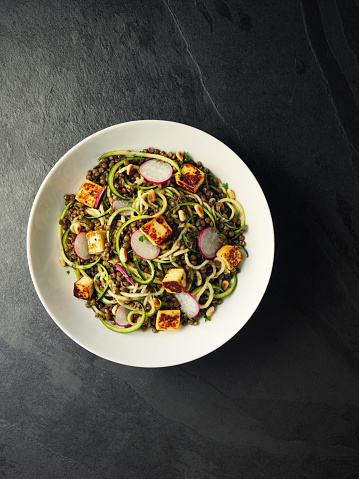 Pine Nut「Healthy lentil and courgette noodles salad with grilled halloumi cheese cubes」:スマホ壁紙(12)