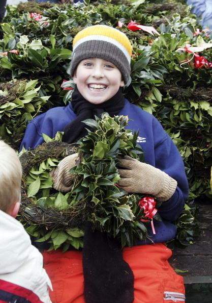 Magic Kingdom「Christmas Mistletoe Blessed In Druid Ceremony」:写真・画像(3)[壁紙.com]