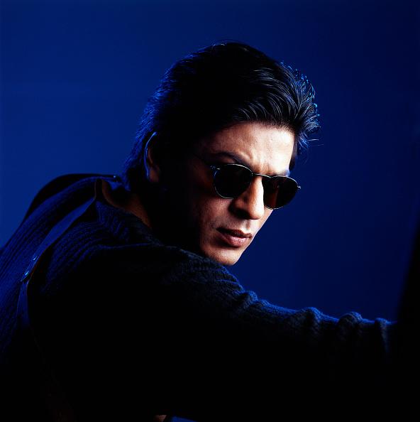 Blue Background「Shahrukh Khan」:写真・画像(5)[壁紙.com]