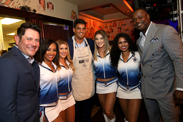Marcus Mariota「16th Annual Waiting for Wishes Celebrity Dinner Hosted by Kevin Carter & Jay DeMarcus」:写真・画像(15)[壁紙.com]