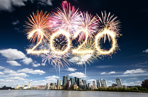 New Year「fireworks in london for 2020 new year in canary wharf」:スマホ壁紙(13)