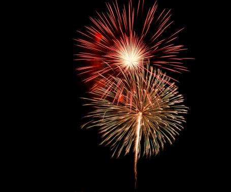 花火「Fireworks in night sky」:スマホ壁紙(4)