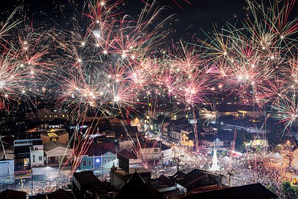 お正月「Indonesians Countdown To The New Year」:写真・画像(7)[壁紙.com]