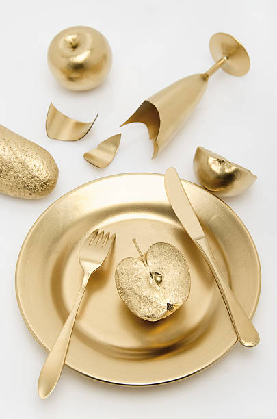 Golden cutlery with apple and bread on white background:スマホ壁紙(壁紙.com)