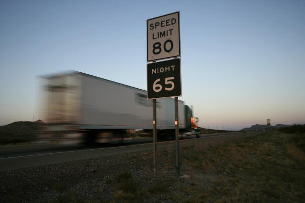 Rick Scibelli「Parts Of Texas Raise Speed Limit To 80, Nations Highest」:写真・画像(5)[壁紙.com]