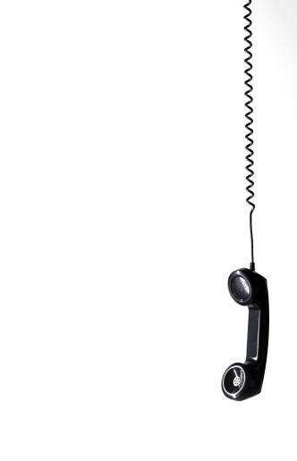Waiting「Hanging black phone with copy space」:スマホ壁紙(16)