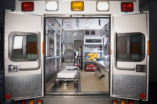Stretcher「Ambulance with rear doors open」:スマホ壁紙(11)