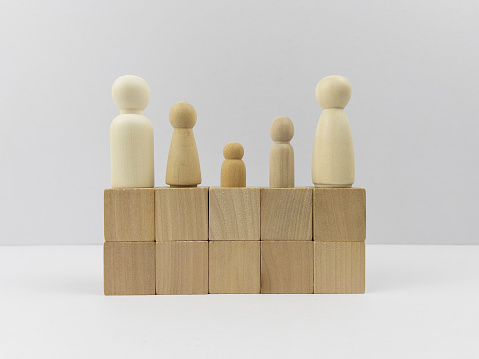 Influencer「Blank cube shape wooden block toy with wooden people for Business design concept and activity. Leadership, Development, Block Shape, Building - Activity. White colour background.」:スマホ壁紙(3)