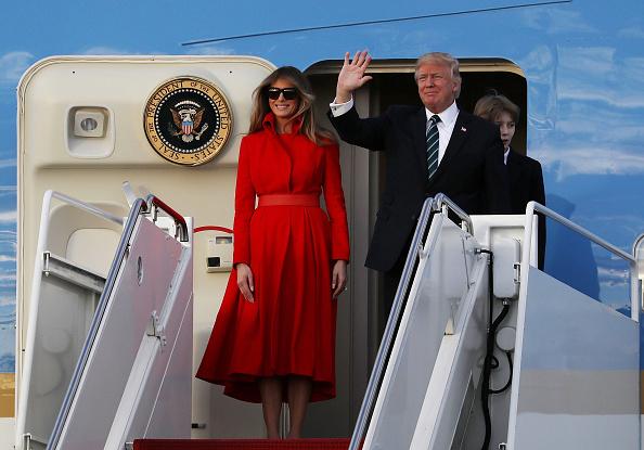 飛行機「President Trump Arrives In Florida For Weekend At Mar-A-Lago Estate」:写真・画像(14)[壁紙.com]