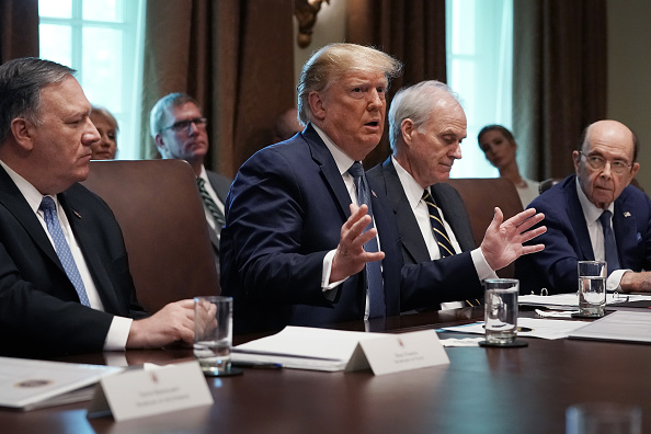 Wilbur Ross「President Trump Holds A Cabinet Meeting At The White House」:写真・画像(2)[壁紙.com]