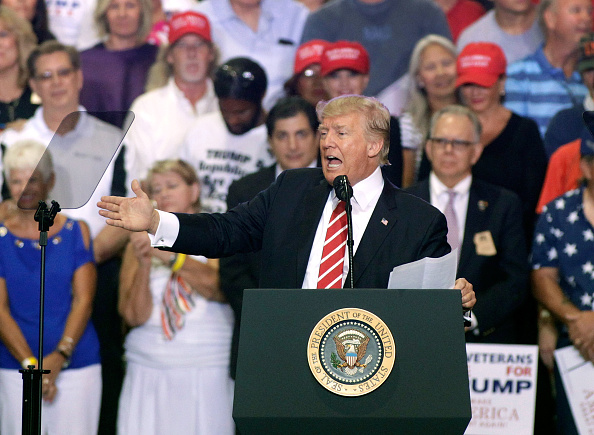 Arizona「President Trump Holds Rally In Phoenix, Arizona」:写真・画像(19)[壁紙.com]
