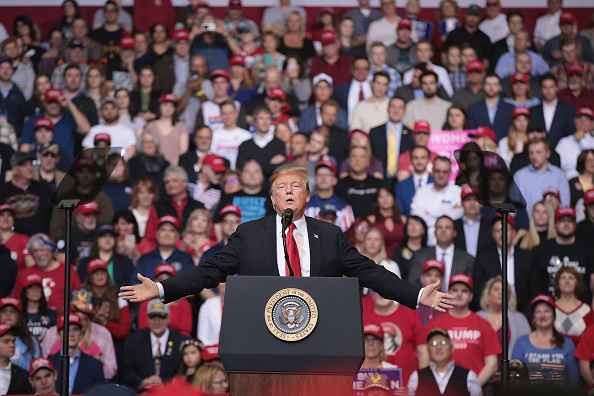 Political Rally「Donald Trump Holds MAGA Rally In Grand Rapids, Michigan」:写真・画像(2)[壁紙.com]