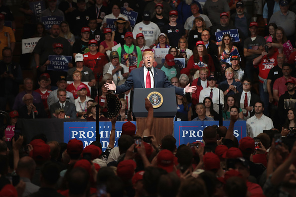 Political Rally「President Trump Holds Campaign Rally In Elkhart, Indiana」:写真・画像(12)[壁紙.com]