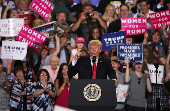 MAGA「President Trump Marks 100 Days In Office With Rally In Pennsylvania」:写真・画像(18)[壁紙.com]