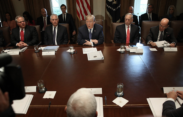 Meeting「President Trump Holds Cabinet Meeting At The White House」:写真・画像(11)[壁紙.com]