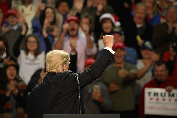Pensacola「President Trump Holds A Rally In Pensacola, Florida」:写真・画像(3)[壁紙.com]