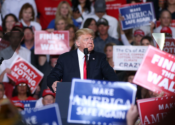 US President「President Trump Holds Rally In Mesa, Arizona」:写真・画像(13)[壁紙.com]