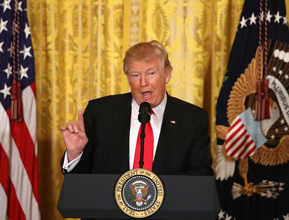 Press Room「President Trump Holds News Conference In East Room Of White House」:写真・画像(6)[壁紙.com]