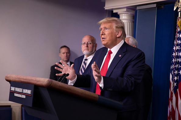 Three People「White House Coronavirus Task Force Holds Daily Briefing」:写真・画像(19)[壁紙.com]