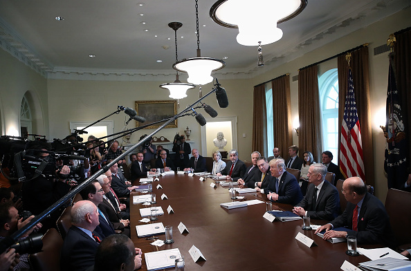 Meeting「President Trump Holds Cabinet Meeting At The White House」:写真・画像(9)[壁紙.com]