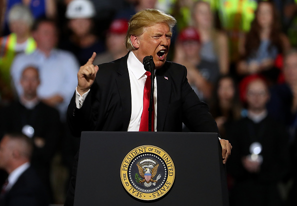 Political Rally「President Trump Holds Rally In Great Falls, Montana」:写真・画像(9)[壁紙.com]