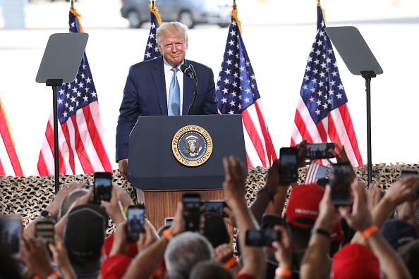 Arizona「Donald Trump Holds Campaign Event In Yuma, Arizona」:写真・画像(6)[壁紙.com]