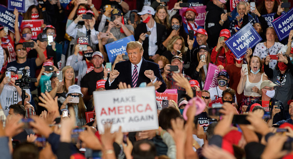 Political Rally「President Trump Holds Campaign Rally In Pennsylvania」:写真・画像(14)[壁紙.com]