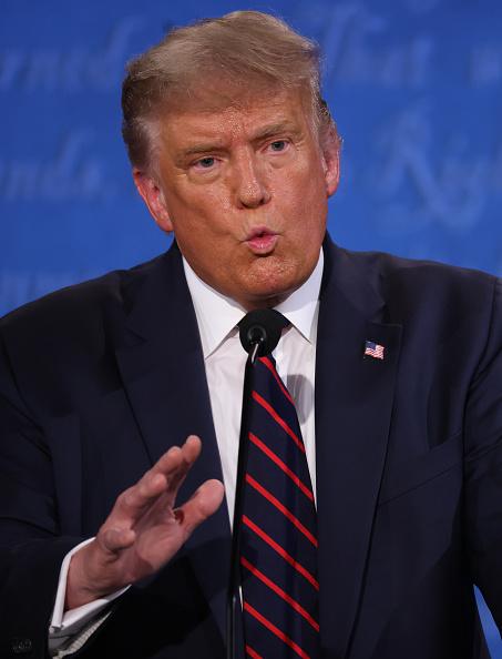 Vertical「Donald Trump And Joe Biden Participate In First Presidential Debate」:写真・画像(4)[壁紙.com]