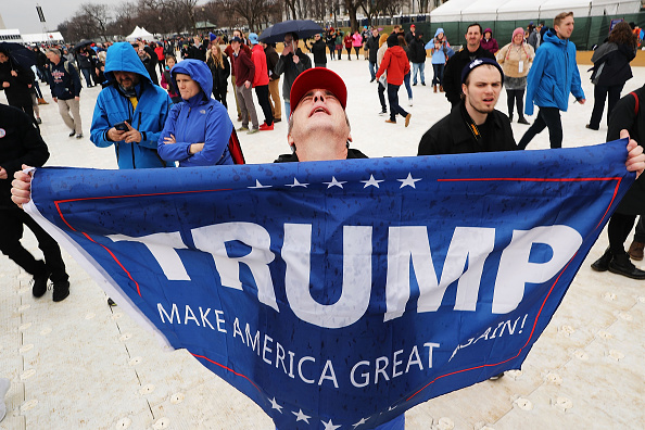 Supporter「Protesters And Trump Supporters Gather In D.C. For US President Donald Trump Inauguration」:写真・画像(18)[壁紙.com]