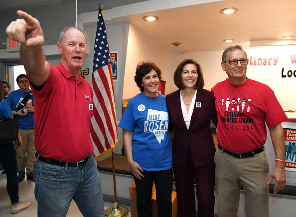Togetherness「Nevada Senate Candidate Jacky Rosen Rallies With Union Members At Canvass Launch」:写真・画像(0)[壁紙.com]